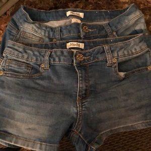 Adjustable waist denim shorts